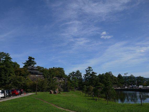 駐車場から見た松江城