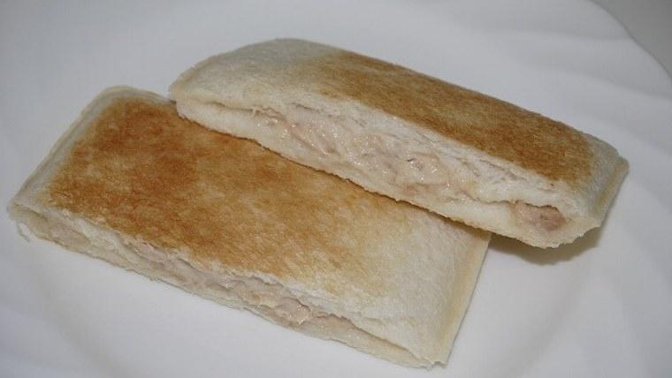 ランチパック-ツナマヨ-トースター焼き