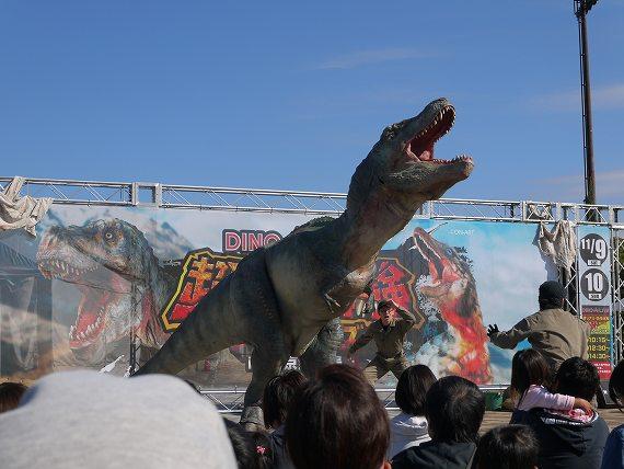 ティラノサウルスが吠える