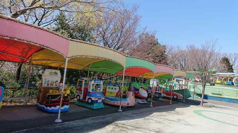 昭和の雰囲気漂う東山動物園の遊園地