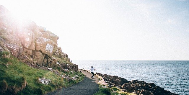 リップスティックと海のある風景